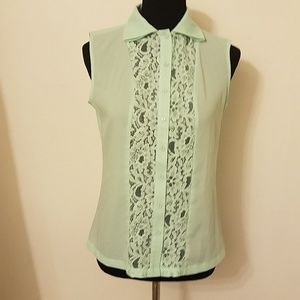 Sz S Kardashian  mint green sleeveless lace